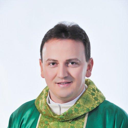 Padre Ezequiel Dal Pozzo faz show em Caxias